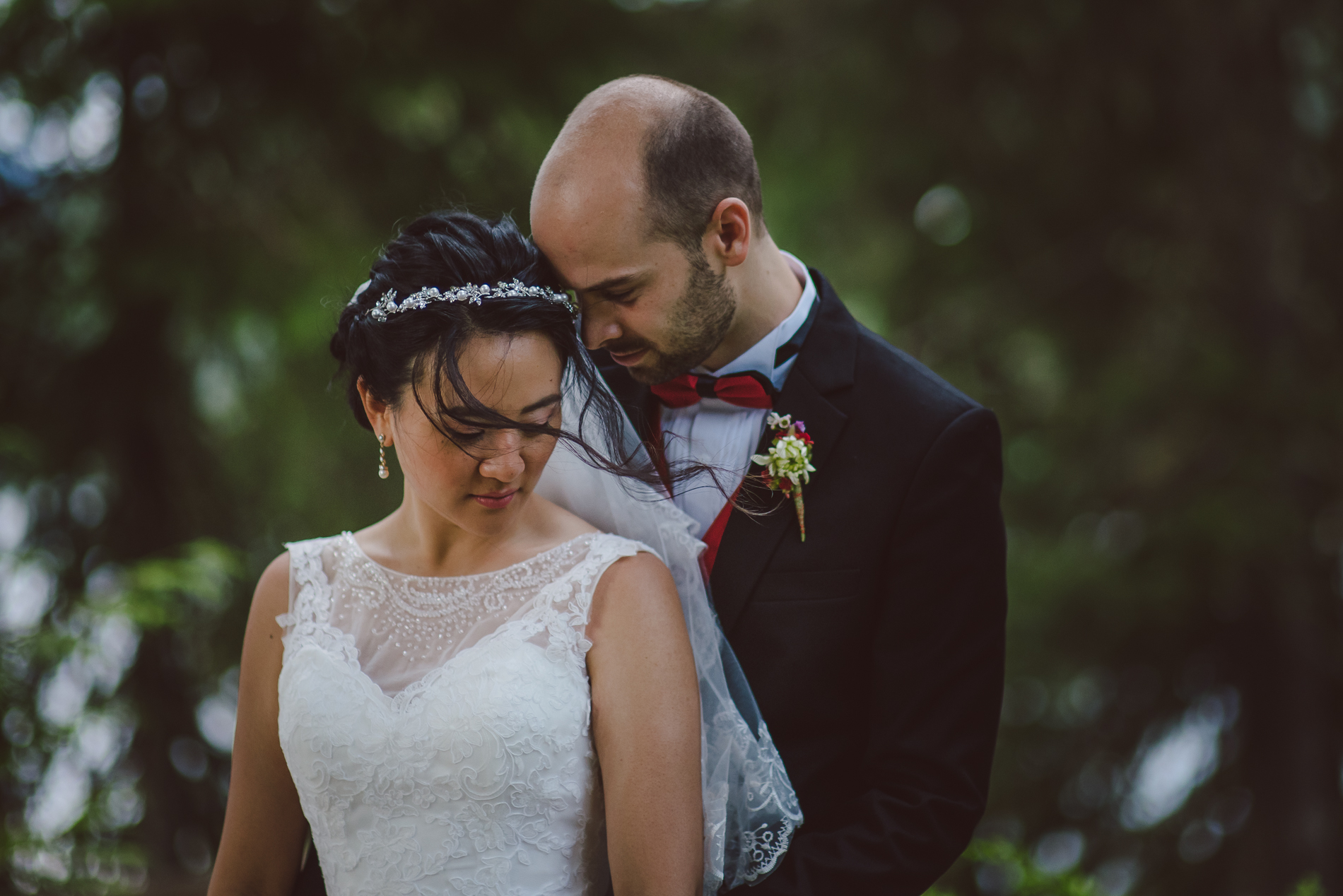 whistler-wedding-forest-couple_001