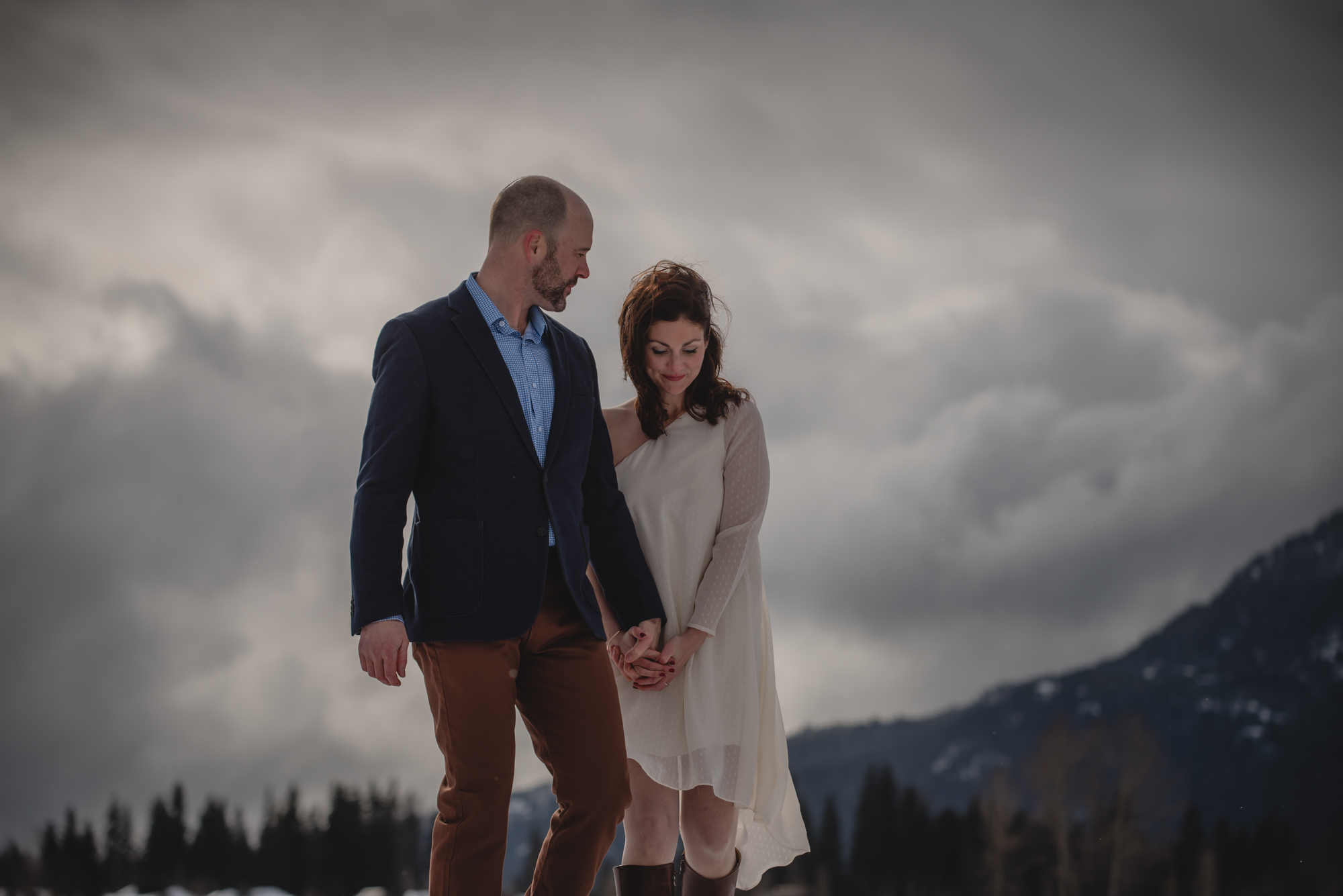 winter elopement bride and groom