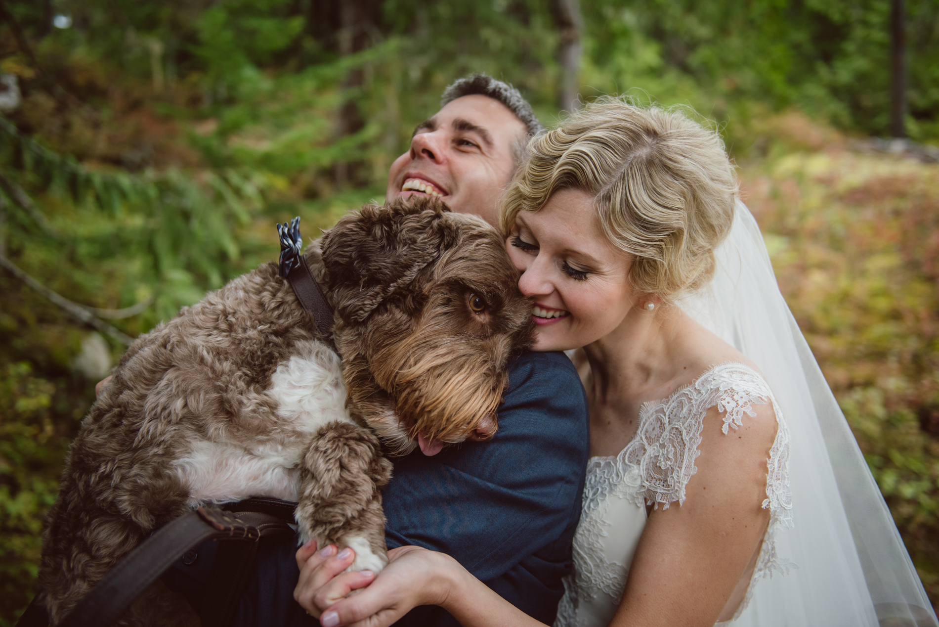 whistler-wedding-dog-hug